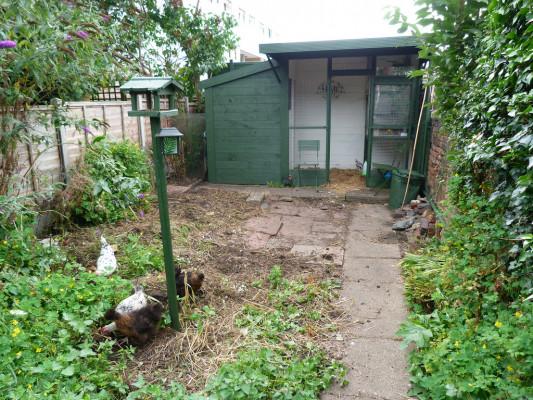 huit id es originales pour un abri de jardin qui sort de l ordinaire vivre au vert. Black Bedroom Furniture Sets. Home Design Ideas
