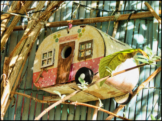 mangeoires et nichoirs 8 id es inspirantes vivre au vert. Black Bedroom Furniture Sets. Home Design Ideas